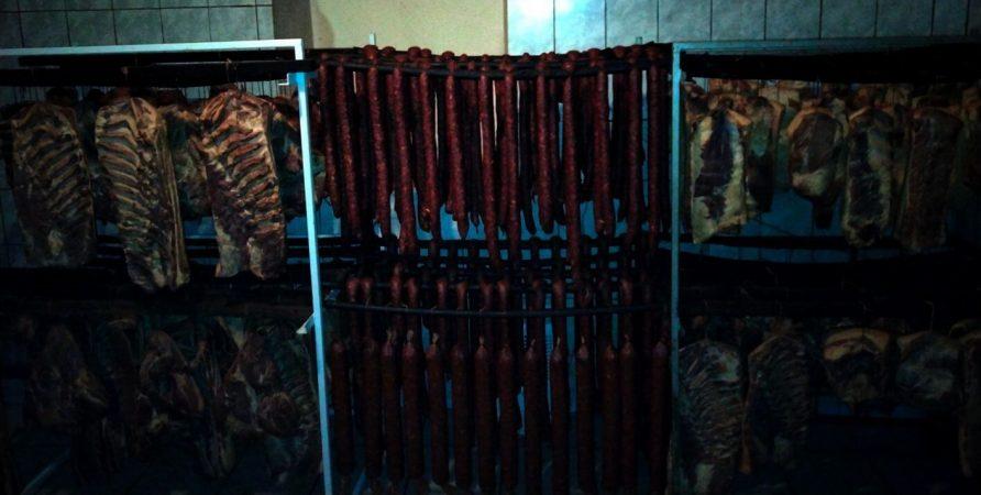 szalámi-kolbász-fórizs-füstöltárú-hús-ráckeve