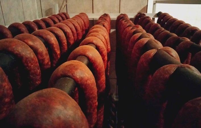 szalámi-kolbász-fórizs-füstöltárú-hús-ráckeve3